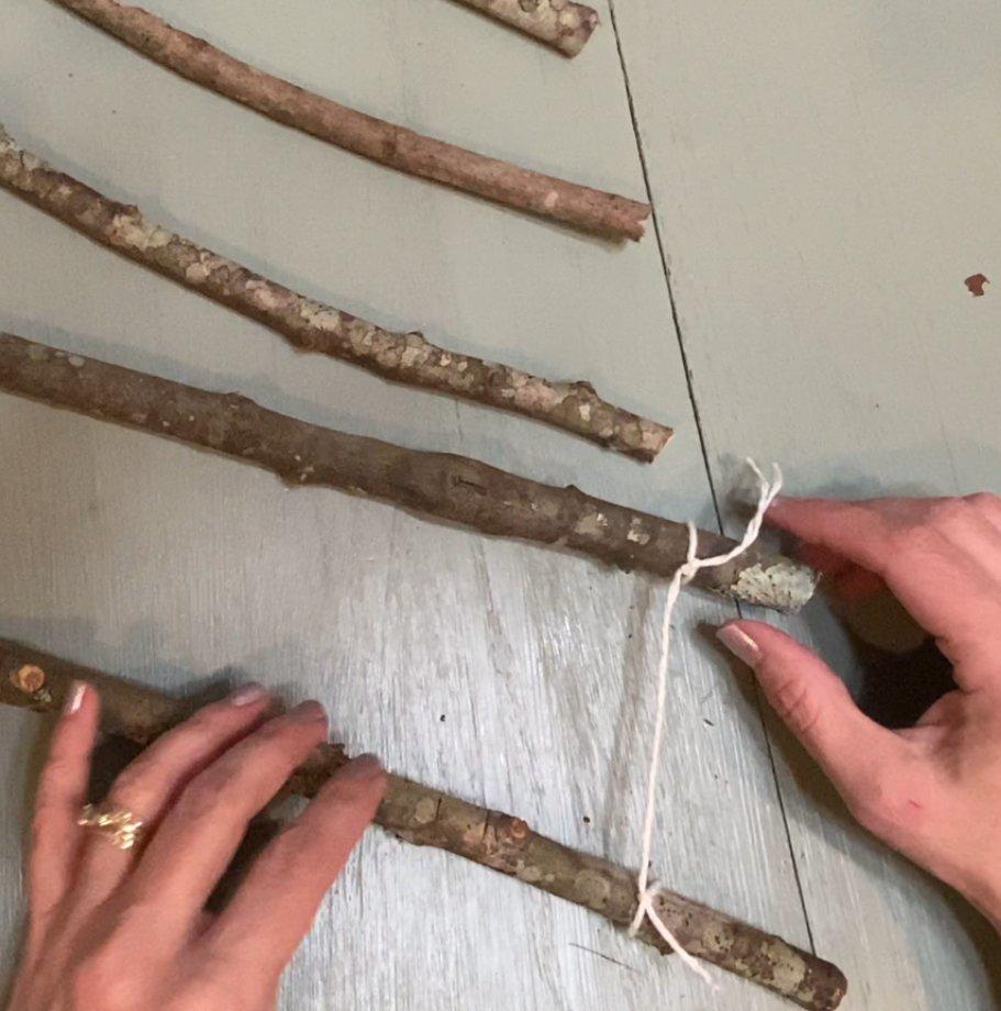 How to Make a Twig Christmas Tree 1