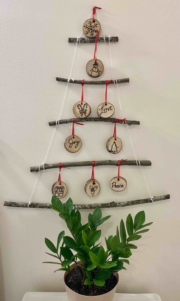 How To Make A Twig Christmas Tree Party With Favor